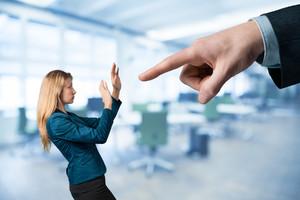 Возможные причины принуждения к увольнению по собственному желанию
