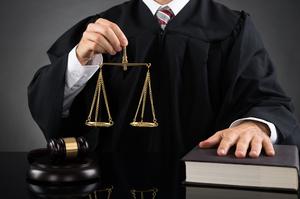 Порядок увольнения за утрату доверия, судебная практика, прецеденты