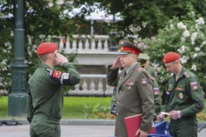 Что означает увольнение военнослужащих в запас со срочной службы